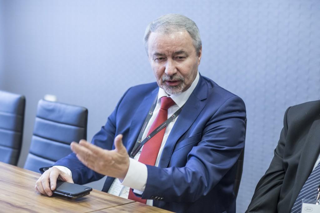Prof. Wiesław Banyś podczas konferencji prasowej wramach Prezydium KRASP